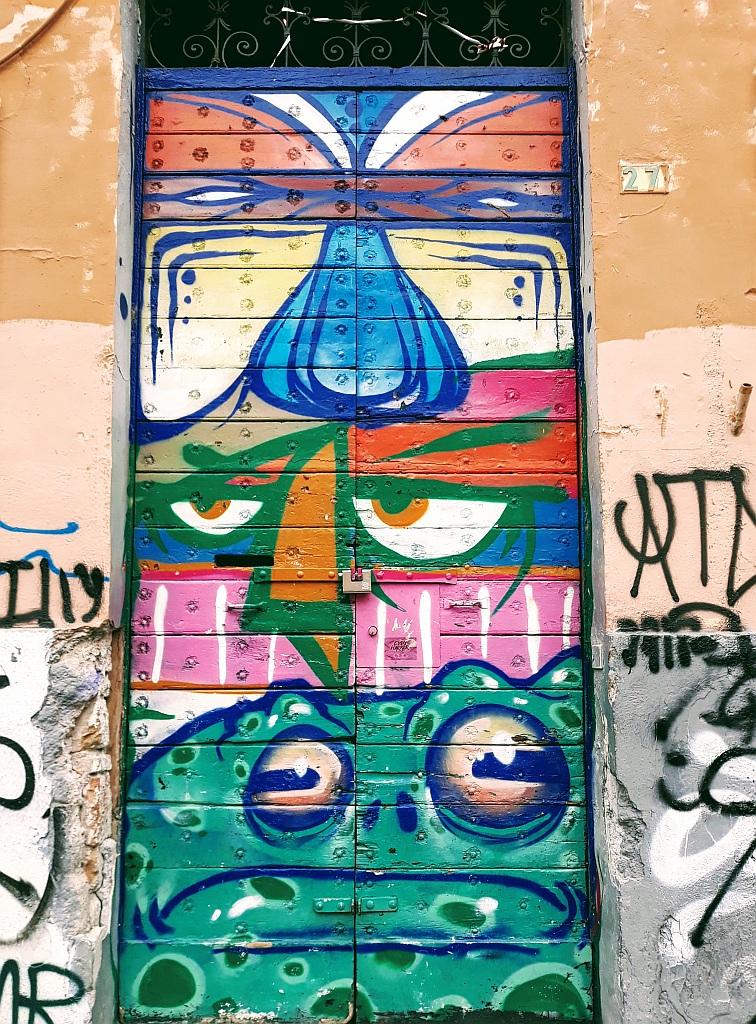 Grafit, Prenestino: Totem. Rome. Italy.