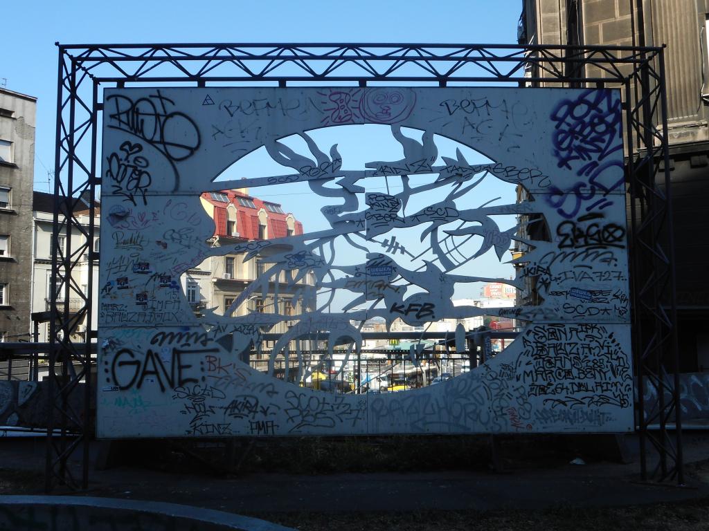 Grafit, Stari Grad: Prozor. grafit graffiti street art beograd belgrade stencil marker paste ulična umetnost sprej.