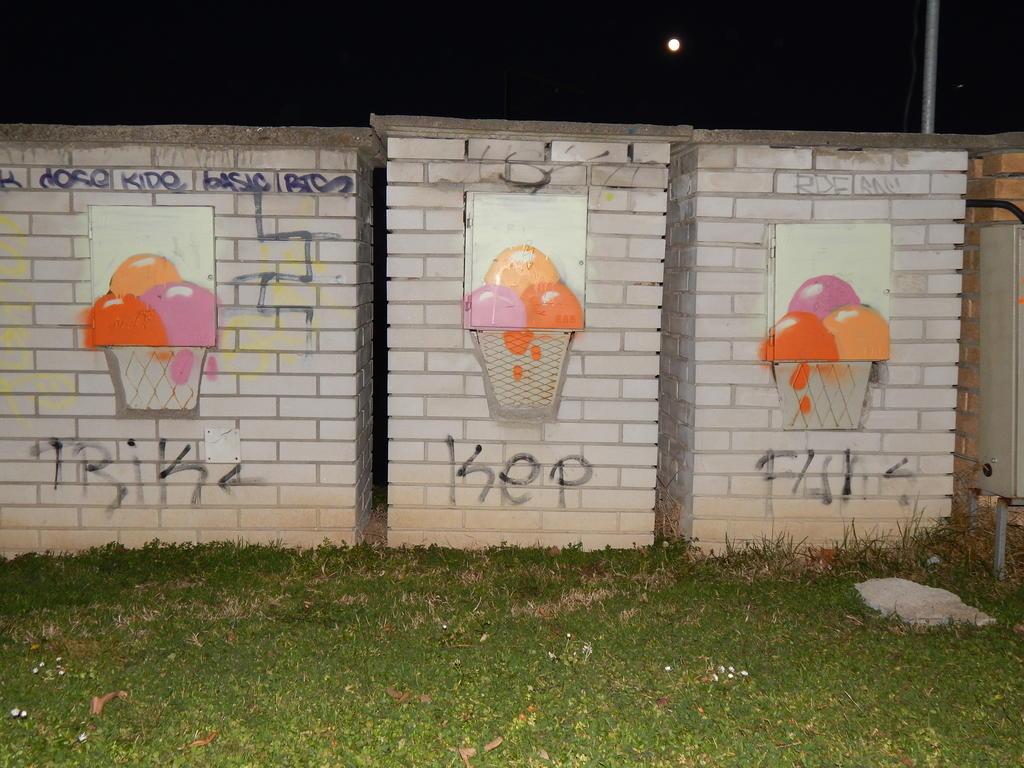 Grafit, Zemun: Sladoled. Kej.