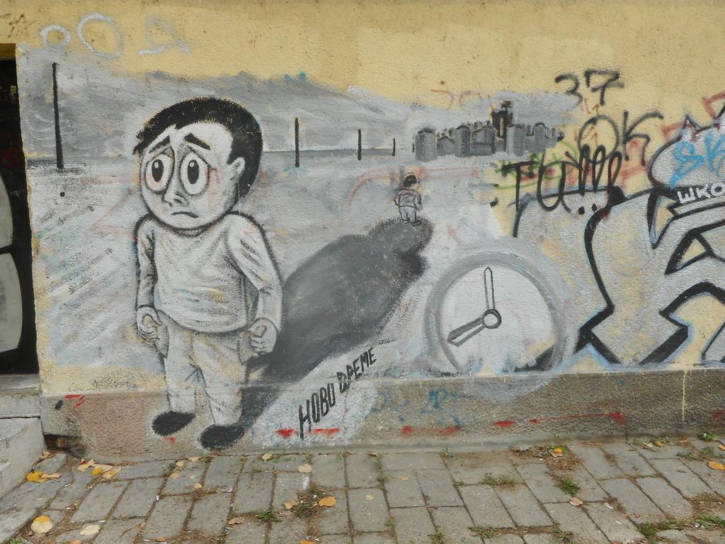 Grafit, Tošin Bunar: School of Life. grafit graffiti street art beograd belgrade stencil marker paste ulična umetnost sprej.