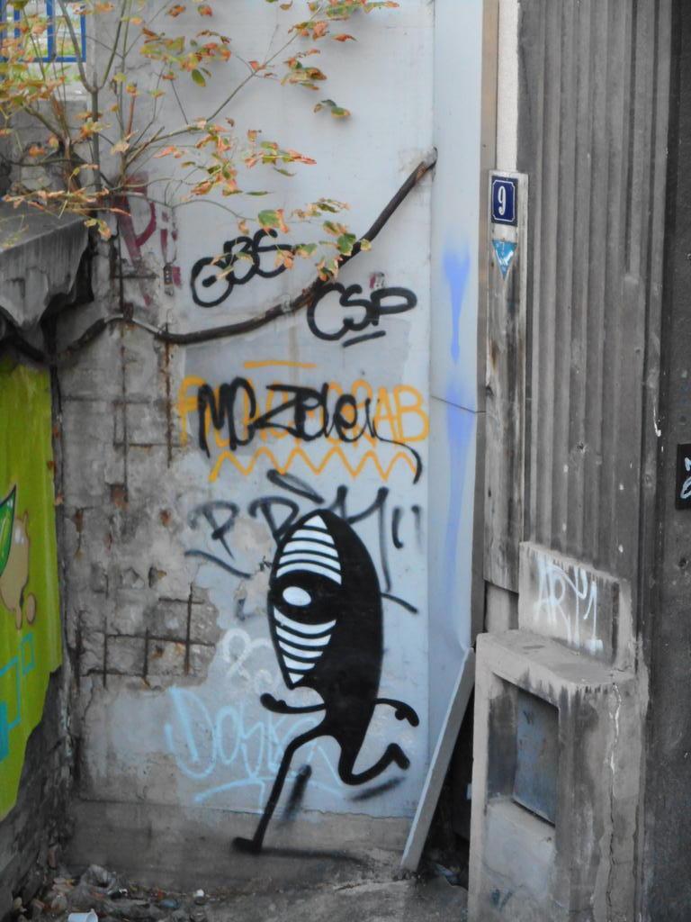 Grafit, Stari Grad: Running eye. grafit graffiti street art beograd belgrade stencil marker paste ulična umetnost sprej mural zid.