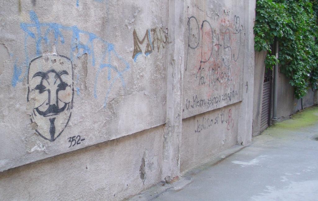 Stencil, Belgrade: V for Vendetta. Beograd. 352.