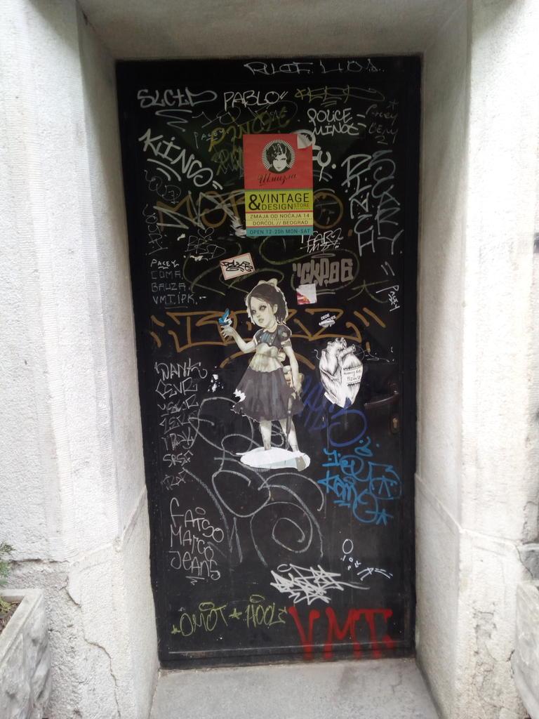 Paste-UP, Stari Grad: The Doors. grafit graffiti street art beograd belgrade stencil marker paste ulična umetnost sprej mural zid.