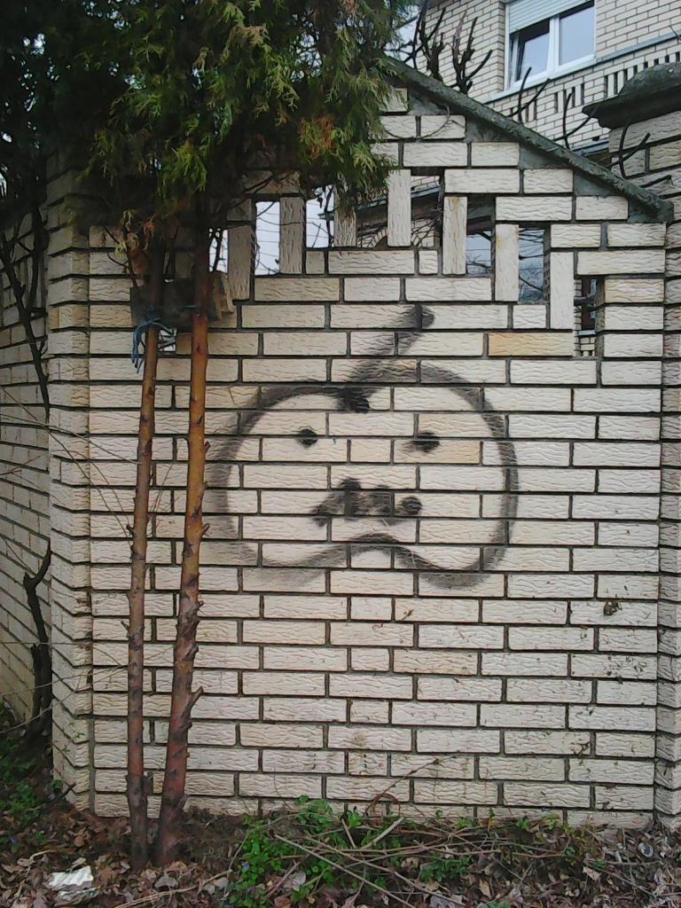 Grafit, Tošin Bunar: Apple. grafit street art beograd belgrade.