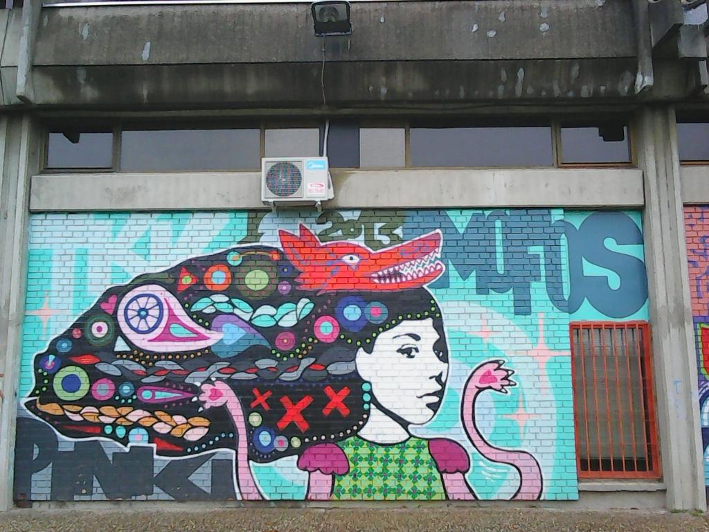 Grafit, Tošin Bunar: Wolf Girl. grafit. Street Art. Beograd. Belgrade. TKV.