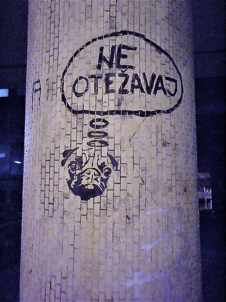 Stencil, Stari Grad: Ne otežavaj 2. grafit. Street Art. Beograd. Belgrade. Inspektor Yoda Zgužvani.