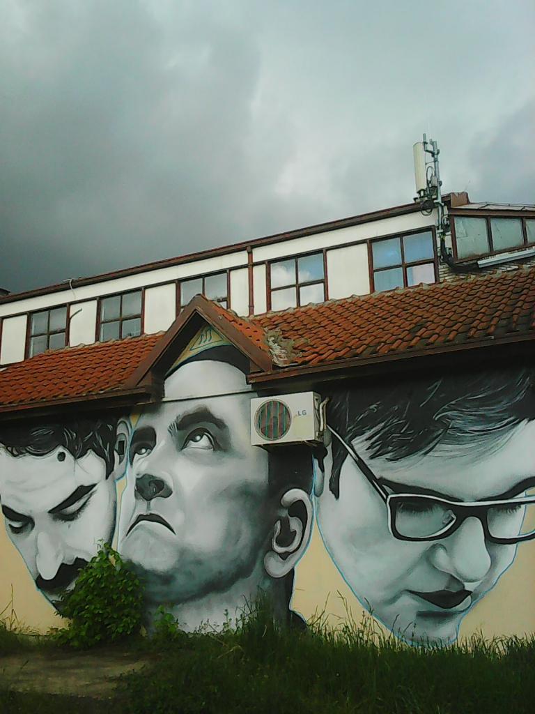 Grafit, Tošin Bunar: Kancelarija. grafit graffiti street art beograd belgrade stencil marker.