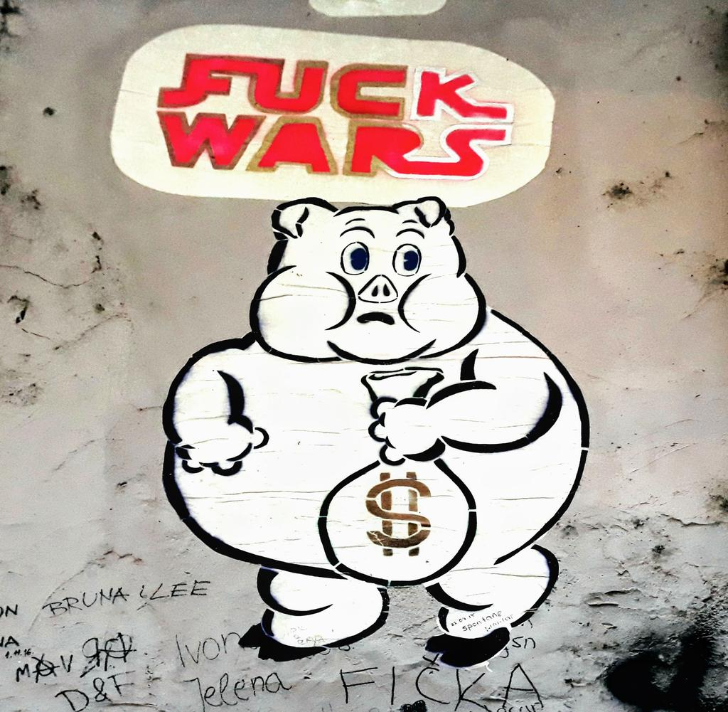Paste-UP, Centar: Fuck wars. Prizmu. Fckwrs. Zagreb. Croatia.