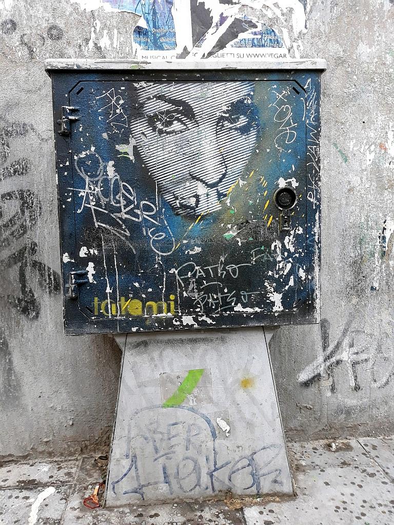 Stencil, Esquilino: eyes realize . Tatami. Rome. Italy.