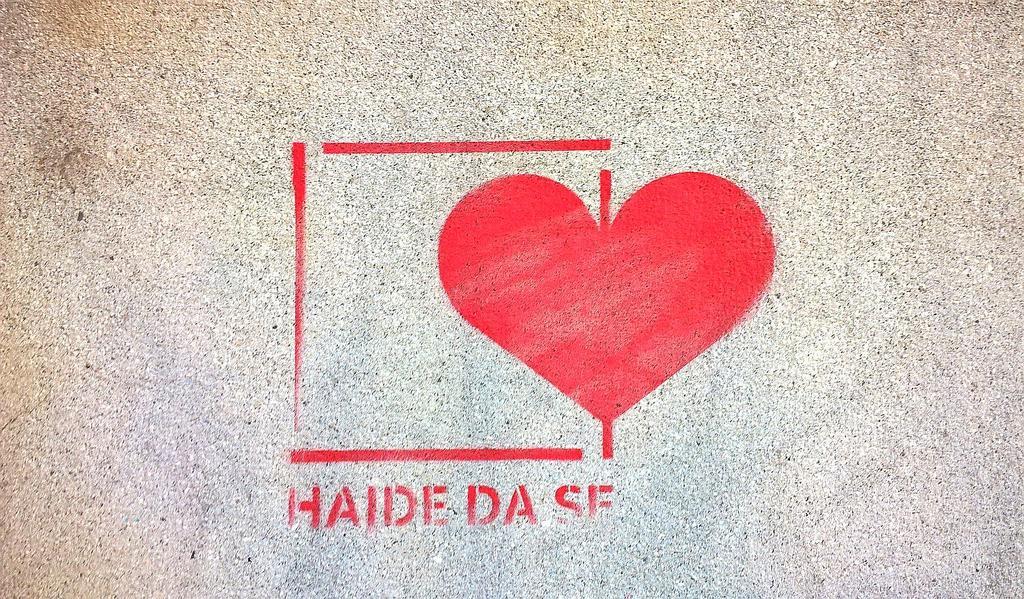 Stencil, Dorćol: Ljubav.