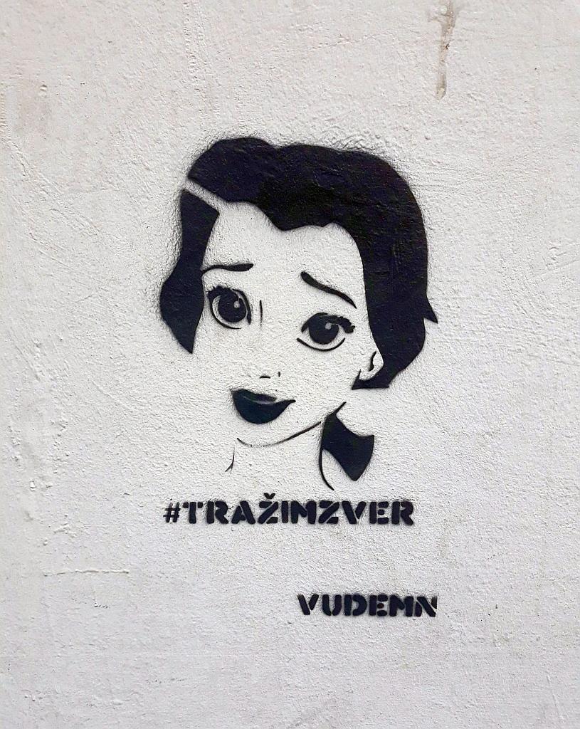 Stencil, Savski Venac: #tražimzver. vudemn. stencil. Beograd.
